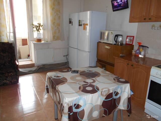 Сдаю комнату 10000 рублей в месяц для 1 человека.