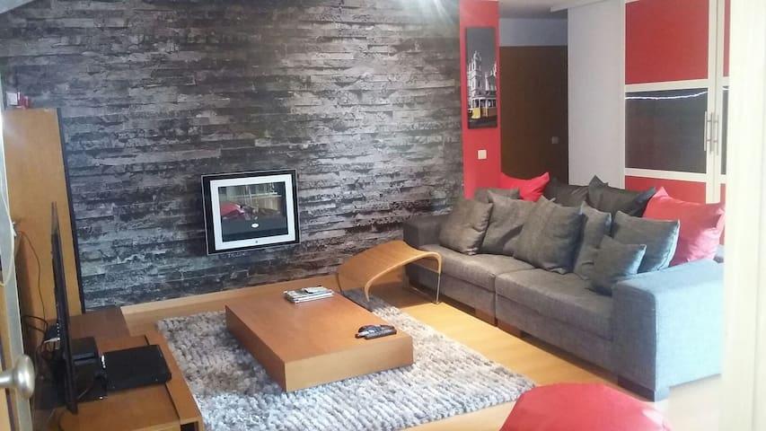 Espaçoso apartamento no Estoril. - Alcabideche - Apartamento