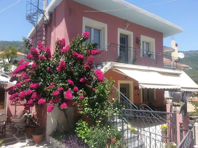 Veneti House