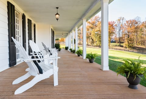Abington Farm—National Historic 1640s Home in Serene Setting