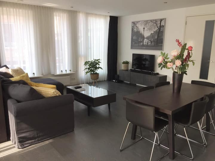 Luxury appartment near Amsterdam authentic village