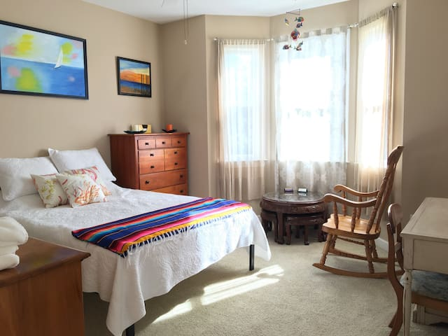 Private Room in Paws at the Lake Condo - 캐롤리나 비치(Carolina Beach)