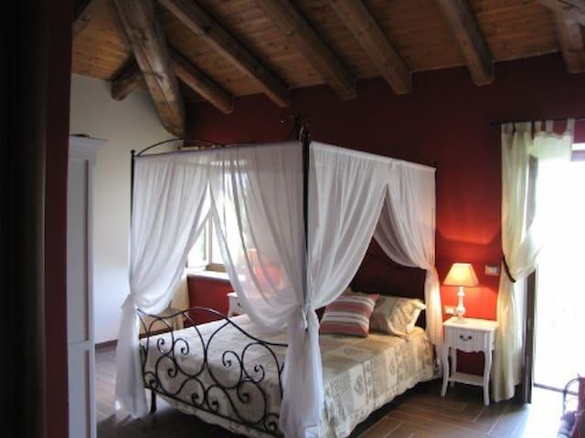 la stanza rossa - Vastapaglia - Bed & Breakfast