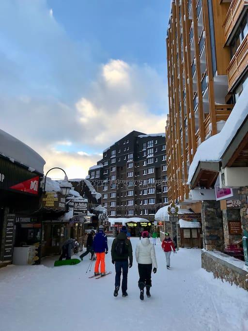 Vous arrivez skis au pieds en bas de l'immeuble