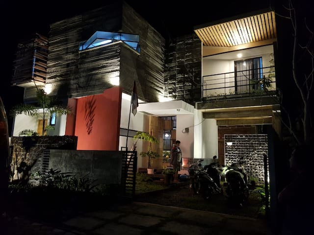 Happy House BnB Bromo backpacker