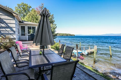 Beautiful views Lakefront home for 7.
