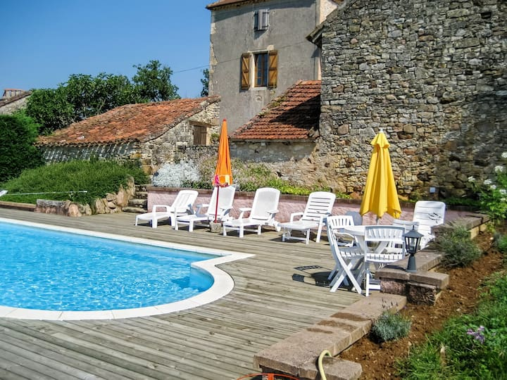 Villa de 4 chambres à Lherm, avec piscine privée, terrasse aménagée et WiFi
