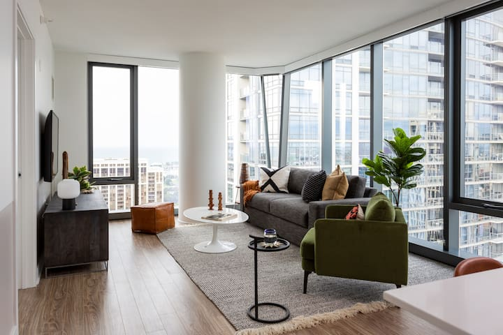 Domio | South Loop | Central 2 BR + Yoga Room and Fitness Center