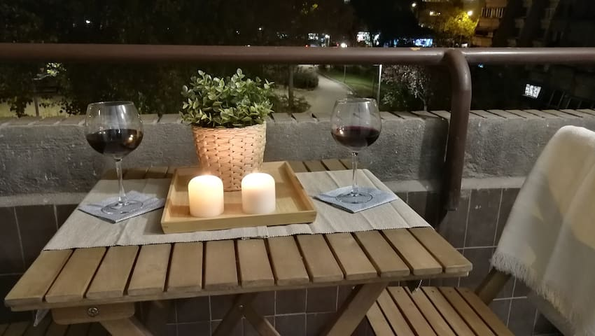 Romantic apartment with balcony close to Bernabeu