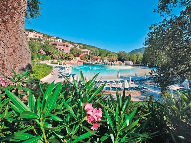 Appartment, sea view in Grimaud