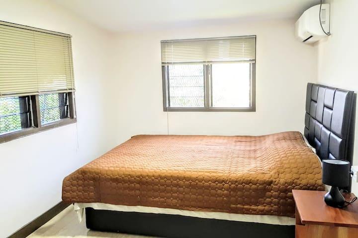 GIADAS HAVEN - rent  Bedroom 1