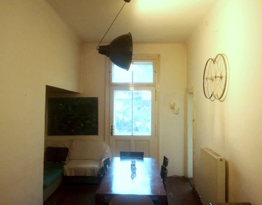 sonniges zimmer im herz von linz wohnungen zur miete in linz ober sterreich sterreich. Black Bedroom Furniture Sets. Home Design Ideas