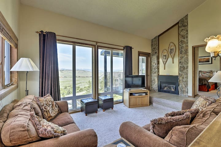 Ski-In/Ski-Out Granby Ranch Condo w/ Hot Tub!