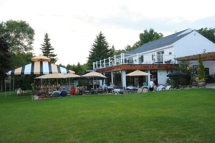 French Valley Inn
