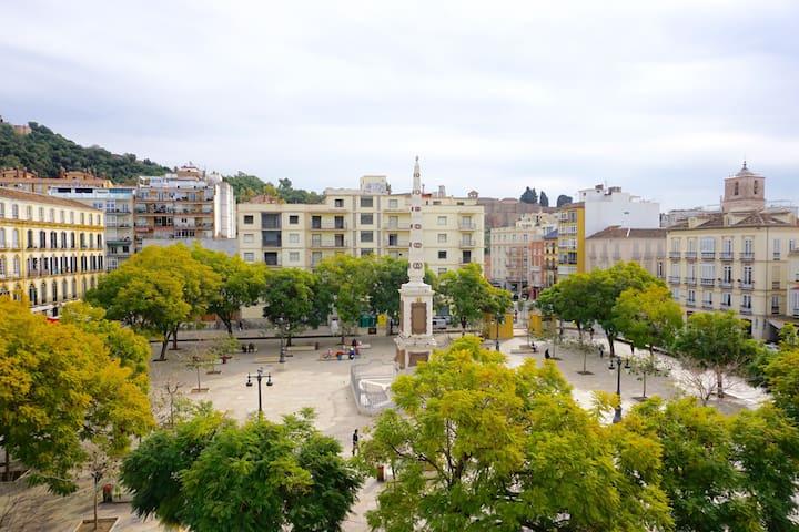 Fantastic Apartment Plaza Merced Views (Wifi, AC)
