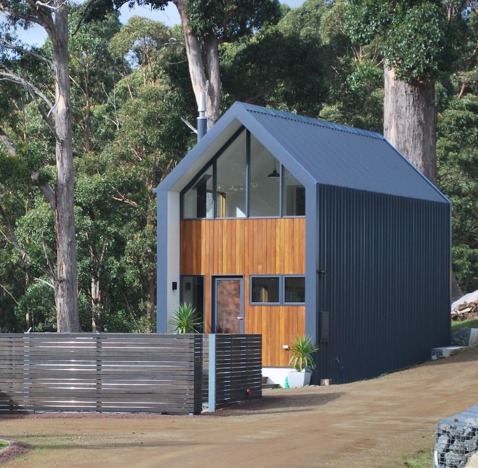 Designed by local architect, Nigel Legge.