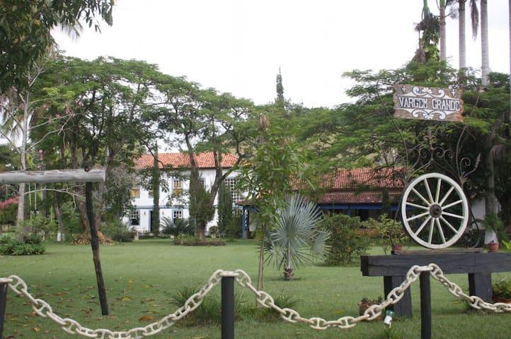 Fazenda em Piacatuba Suíte 02