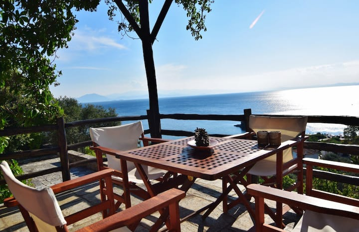 "TRADITIONAL LUXURY HOUSE in Pelion ""Kentavros"""