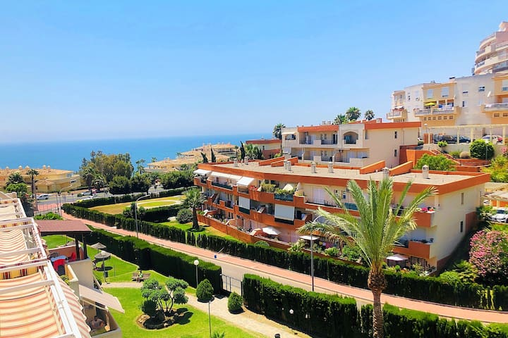 Seaview apartment with great amenities &facilities