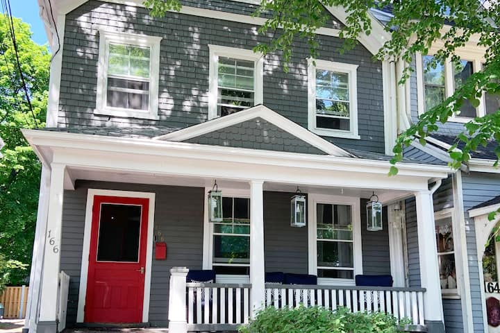 Ole King Square SmartHome - Historic Property