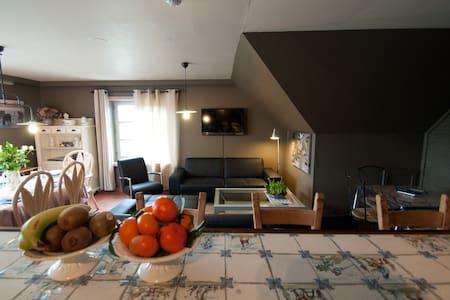 stijlvol zonnig appartement vlakbij Brugge