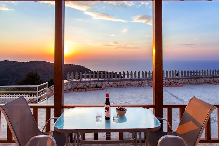 Special Offers:Villa with Private Pool In Chortata