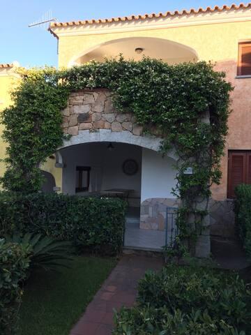 Residence Lu Pitrali con piscina