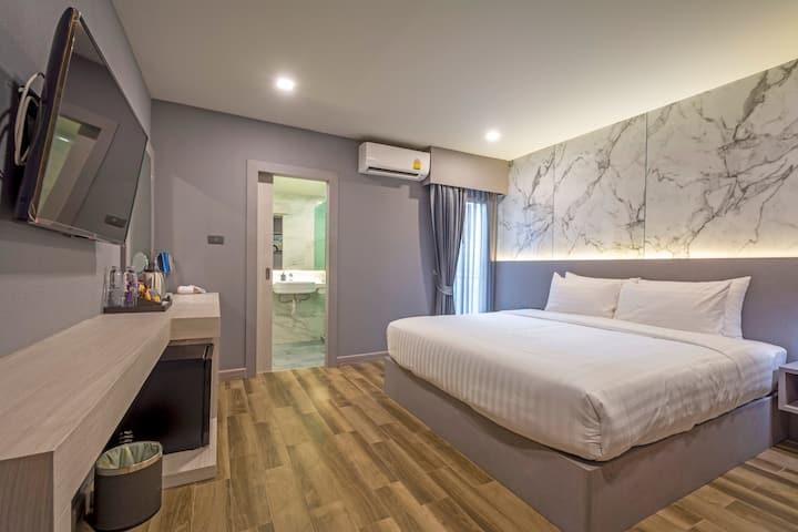 New Room / Pratunam / Airport Link / Swimming pool