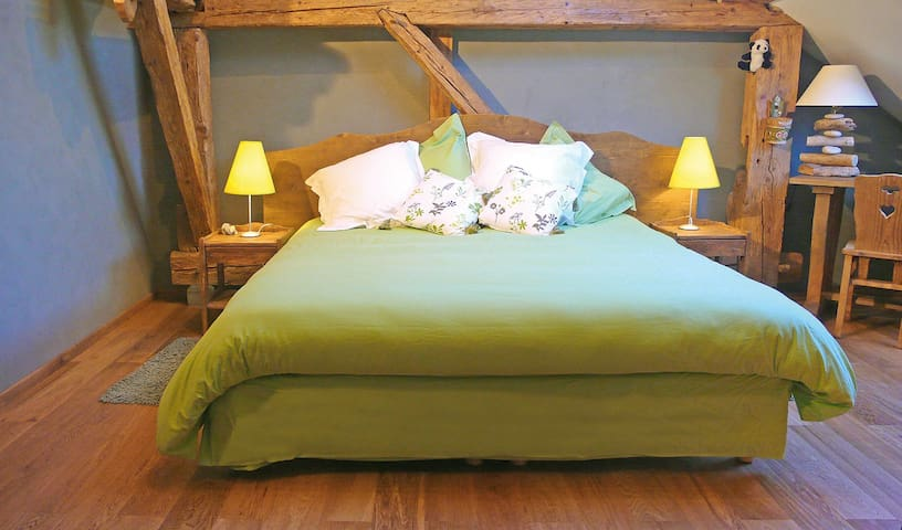 OURSERIE BnB Deluxe Double Room Mountain View