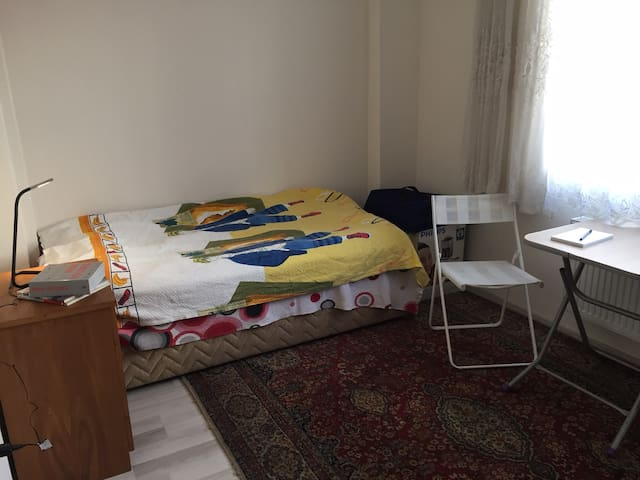 Small single room - Çanakkale - Lägenhet