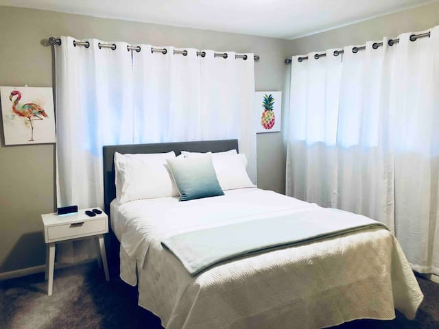 Private Teal Queen Bedroom Upstairs in Shared Unit