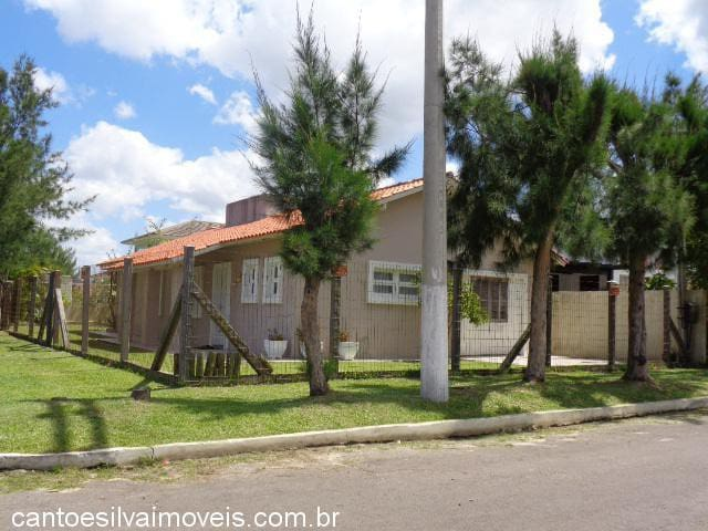 Ampla casa de esquina Praia de Mariápolis - Osório - Apartemen