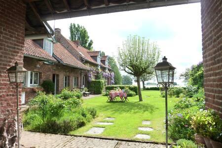 """""""La Ferme du Touquet"""" Cottage Lille to doors 10Kms - Wambrechies - Dům"""