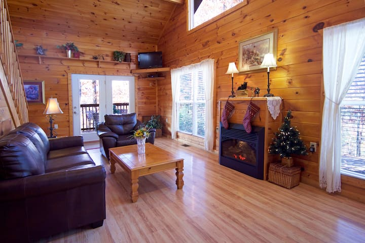 Beautiful Cabin! Cozy! Seclusion, Natures Romance