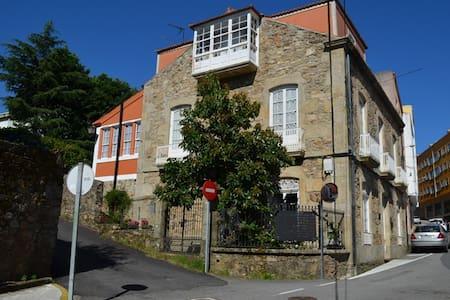 Casa confortable con jardín para 8 personas - A Pobra do Caramiñal - Vila
