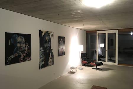 Designwohnung von Herzog & deMeuron - Münchenstein - Apartmen