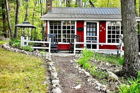 Northern Michigan Cottage ✔AC ✔ 20 lakes, 20 min ✔