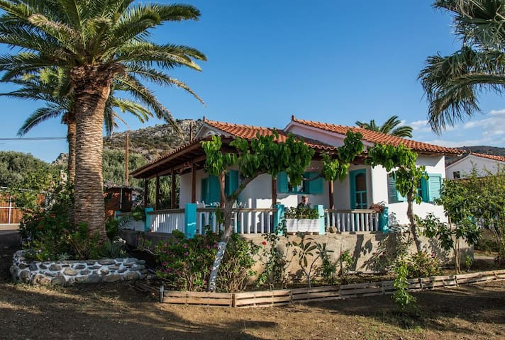 Cozy bungalow up to the beach in Paliochora - Παλαιόχωρα - Bungalo