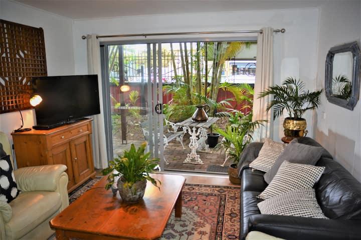 Jaspers 3 Bedroom Ground Floor Garden Apartment