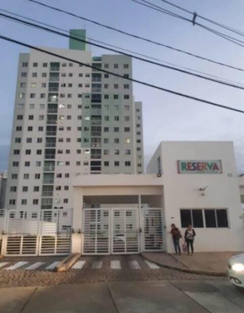 aconchegante apartamento em condomínio residencial