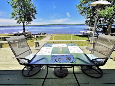 Ottawa River 4 Season Waterfront Cottage