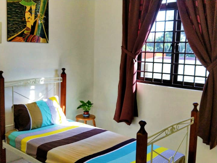 Relax private D.Single Bed Room for 2pax@Geogetown