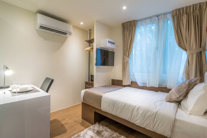 Clarke Quay Bright Modern Studio Single Apartment