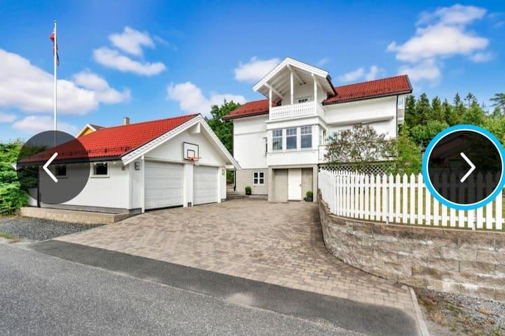 Lekkert hus nær Tusenfryd og Oslo