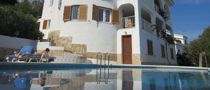 Fantastic Sea View with private pool and garden