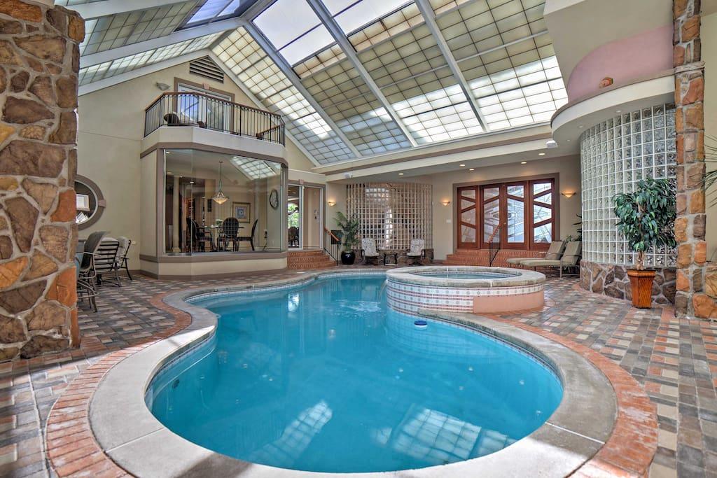 Huge 3br Cincinnati House W Indoor Pool Spa Houses For Rent In Cincinnati Ohio United States
