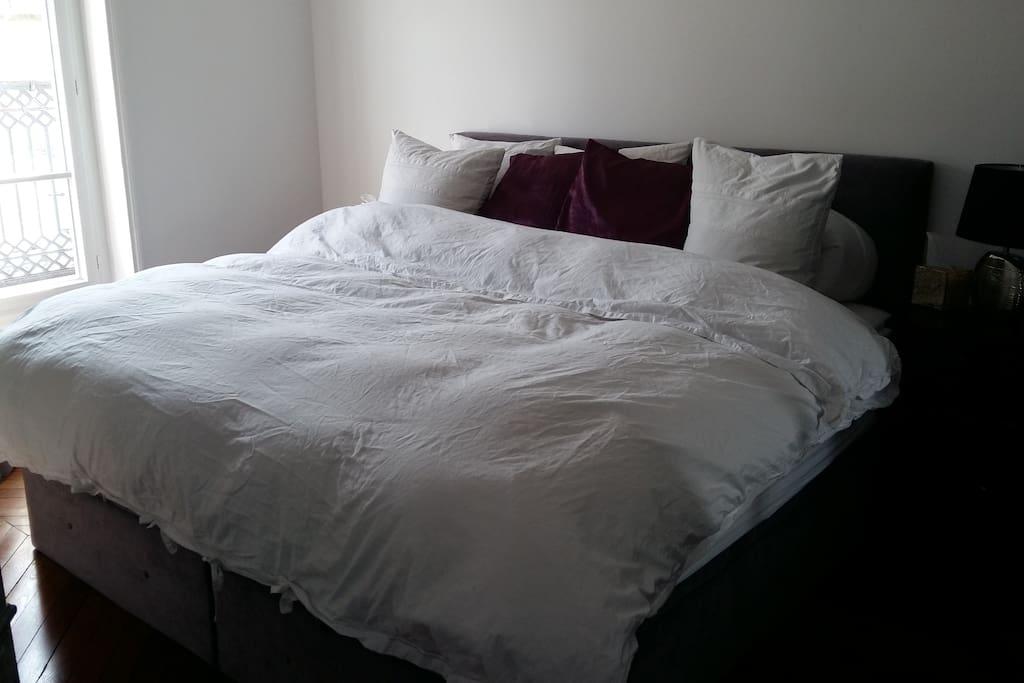 California King bed that feels like a dream.