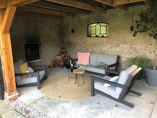 Villa for 6 persons, with 350m2 garden and veranda