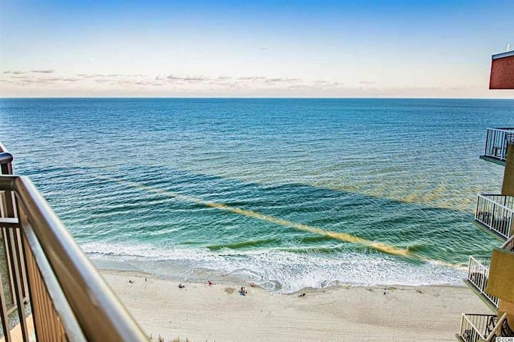 Oceanfront Penthouse w/ heated pool & 2 balconies!