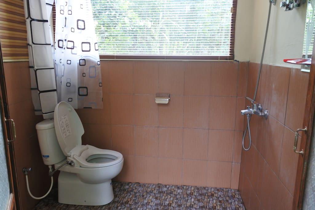 kamar mandi kamar 1